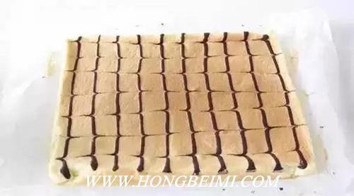 美丽可口的花纹蛋糕卷,你想了解做法吗?12.jpg