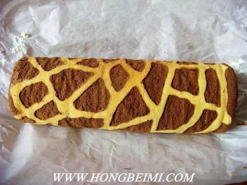 美丽可口的花纹蛋糕卷,你想了解做法吗?22.jpg